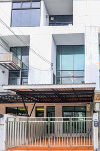 For RentHome OfficeSukhumvit, Asoke, Thonglor : Home Office for RENT [Thonglor 19] Home office with spacious living space for rent Thonglor.