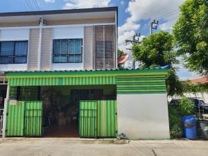 For SaleTownhouseSamrong, Samut Prakan : Townhome for sale in Thepharak area, near 2 train lines, near Assumption School St. Joseph School Samut Prakan
