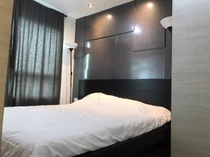 For RentCondoRama9, RCA, Petchaburi : Lumpini Park Rama 9 - 1 bedroom, 1 bathroom, size 30 sqm, 15th floor, please @ 0631645447