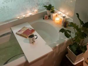 เช่าคอนโดรัชดา ห้วยขวาง : N3300916  ให้เช่า/For Rent Condo Ideo Ratchada - Huaykwang (ไอดีโอ รัชดา-ห้วยขวาง)1นอน 35ตร.ม ห้องสวย เฟอร์ครบ มีอ่างอาบน้ำ พร้อมอยู่