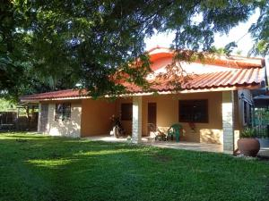 For RentHousePattaya, Bangsaen, Chonburi : House for rent, 300 sq m, 2 bedrooms, 2 bathrooms, Pattaya-Nong Pla Lai, Bang Lamung District, Chonburi Province.