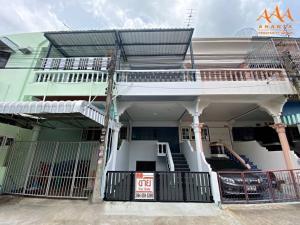 For SaleTownhouseMahachai Samut Sakhon : sell!! Baan Krathum Baen, 3-storey townhouse, 20 sq m. With roof deck and basement Soi Sukonthawit 9 near Krathum Baen Clock Tower