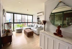 For RentCondoSukhumvit, Asoke, Thonglor : FOR RENT / SALE :: Taka Haus Ekamai 12 : Condo 2 bedrooms Size 59.25 sq.m. Floor 8 Fully furnished