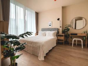 For RentCondoSukhumvit, Asoke, Thonglor : SK03269 Noble Recole for rent, size 68 sqm., 14th floor**BTS Asoke,MRT Sukhumvit**