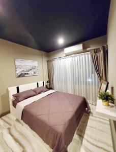 For RentTownhousePattanakan, Srinakarin : 2479-A😊 For RENT ให้เช่าทาวน์โฮม 3 ชั้น,🚪 3 ห้องนอน🚄ใกล้ สนามกอล์ฟสโมสรกรุงเทพกรีฑา🏢กรุงเทพกรีฑา🔔พื้นที่บ้าน:18.00ตร.วา🔔พื้นที่ใช้สอย:216.00ตร.ม.💲เช่า:30,000฿📞O86-454O477✅LineID:@sureresidence