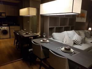 For RentCondoSukhumvit, Asoke, Thonglor : For rent condo park 24 Rent park 24