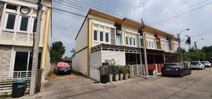 For SaleTownhouseRathburana, Suksawat : Townhouse for sale Behind the corner of Golden Town, Suksawat-Phutthabucha