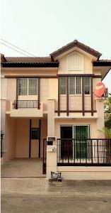For RentTownhouseRangsit, Patumtani : Townhouse for rent at the corner of Pruksa Ville 16 Thanyaburi K.3, 1 air conditioner, 3 bedrooms, 2 bathrooms, only 11000 baht.