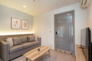 For RentCondoRama9, RCA, Petchaburi : Life Asoke - Rama 9 beautiful one bedroom for rent