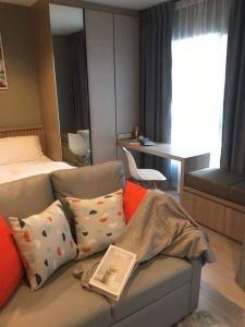 For RentCondoRama9, RCA, Petchaburi : LIFE Asoke - Rama 9, fully furnished, ready to move in