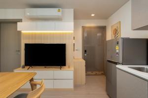 เช่าคอนโดพระราม 9 เพชรบุรีตัดใหม่ : Life Asoke - Rama 9 ห้องสวยสไตล์มินิมอลญี่ปุ่น เพื่อคน work from home ;-)