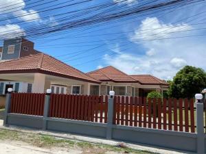 เช่าบ้านระยอง : ให้เช่าบ้านเดี่ยวหลังใหญ่ 1 ชั้น หมู่บ้านอิงเมือง ต.บ้านฉาง อ.บ้านฉาง จ.ระยอง
