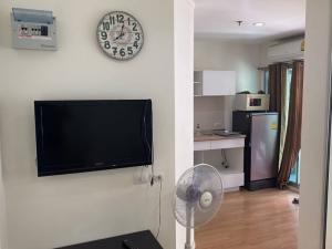 For RentCondoBangna, Lasalle, Bearing : Lumpini Mega Bangna > Available for rent < 2nd floor, corner room, very airy, has privacy.