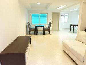 For RentTownhouseLadprao, Central Ladprao : Townhome for rent 4 floors behind the corner of Lat Phrao area. near MRT Lat Phrao Butsarakam Place Village, Soi Vibhavadi 20, Soi Ladprao 18 Renovate the exterior and interior of the whole house.