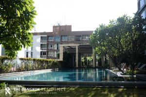 For SaleCondoWongwianyai, Charoennakor : Hottest Price!! 20+ High Floor Condo for Sale Near BTS Wongwianyai - Hive Taksin @4.3MB
