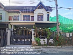 For RentTownhouseRatchadapisek, Huaikwang, Suttisan : **For Rent** Entire new renovated house @ near MRT Huai Khwang 21 sq m (3 bedrooms/2 bathrooms/2 parking spaces)