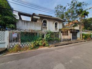 For SaleLandSathorn, Narathiwat : Land for sale with old house Thanon Songkhro-Narathiwat Soi 17