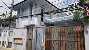 For RentHouseSukhumvit, Asoke, Thonglor : House for Rent Sukhumvit 39 rd. Bkk.