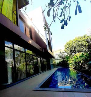 เช่าบ้านสุขุมวิท อโศก ทองหล่อ : Luxury house for rent, fully furnished, private pool in the heart of Thonglor