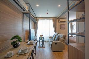 เช่าคอนโดราชเทวี พญาไท : คอนโดให้เช่า/ขาย Q Chidlom-Petchaburi ประเภท 1 ห้องนอน 1 ห้องน้ำ ขนาด 45 ตร.ม. ชั้น 27