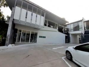 For RentHome OfficeSukhumvit, Asoke, Thonglor : Home office for rent, 2 story Ekamai , Thonglor