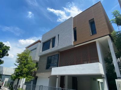 For SaleHouseRama9, Petchburi, RCA : บ้านสวยหรูอยู่สบาย ถนนเทียนร่วมมิตร, 102 ตร.วา, 5 ห้องนอน, 3 ชั้น, เพดานสูง