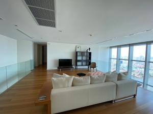 For RentCondoWongwianyai, Charoennakor : A.N - Condo for rent, The River Charoen Nakhon, 5 bedrooms, 4 bathrooms, area 137 sqm., near bts Saphan Taksin 880 m.