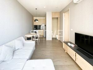For RentCondoSukhumvit, Asoke, Thonglor : Good Price Real 1 Bed on High Fl. / Nice & Bright Unit Shuttle bus to BTS Phrom Phong // For Rent