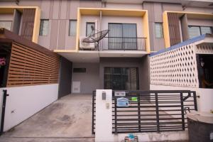 For RentTownhouseNawamin, Ramindra : (Code A22066402) Townhouse for rent, The Connect Watchaphon-Permsin, 2 floors, 3 large bedrooms, good location near the expressway. Ramintra-At Narong