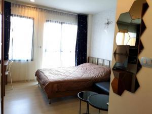 For RentCondoRama9, RCA, Petchaburi : For rent, Rhythm Asoke, 2 floors, 14 studio rooms, pool view.
