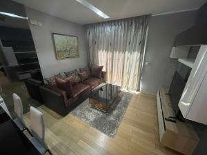 เช่าคอนโดสุขุมวิท อโศก ทองหล่อ : SIRI AT 1 ห้องนอน  ตกแต่งใหม่แต่งสวย  by Owner