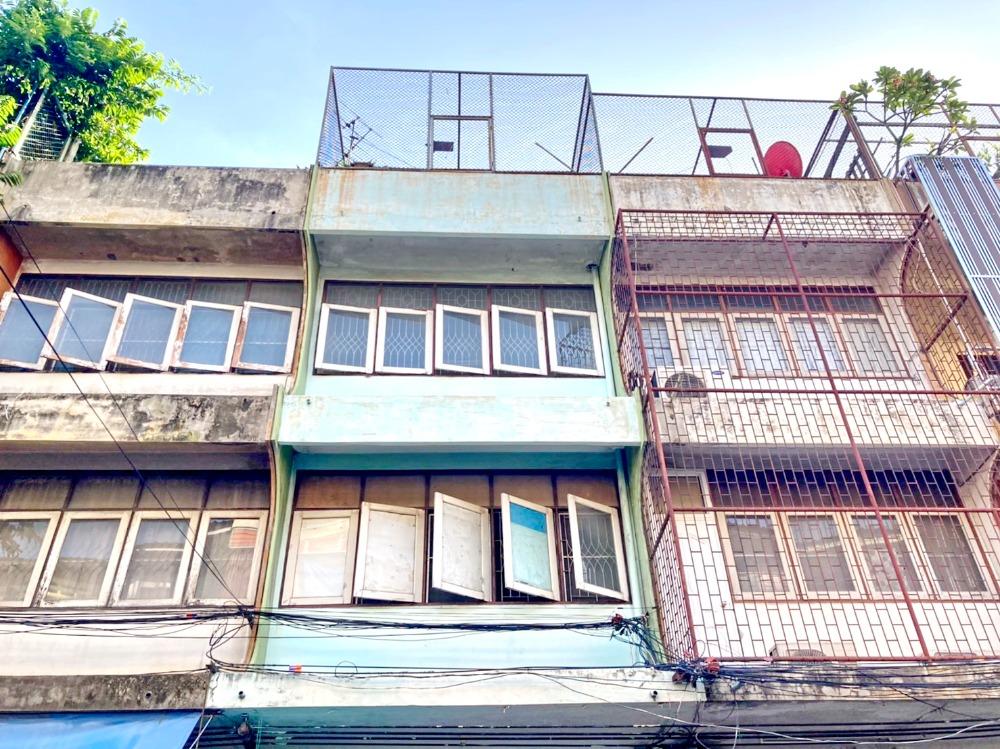 For SaleShophouseLadprao 48, Chokchai 4, Ladprao 71 : 2489-A😍 For SELL ขายอาคารพาณิชย์3 ชั้น, 3 ห้องนอน🚄ใกล้ ตลาดโชคชัย 4, อิมพีเรียลลาดพร้าว🏢ลาดพร้าว🔔พื้นที่บ้าน:14.00ตร.วา🔔พื้นที่ใช้สอย:168.00ตร.ม.💲ขาย:4,620,000฿📞O86-454O477✅LineID:@sureresidence