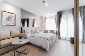 For RentCondoLadprao, Central Ladprao : Life Ladprao - 1 bedroom, 1 bathroom, size 27 sqm, floor 42, please @ 0631645447