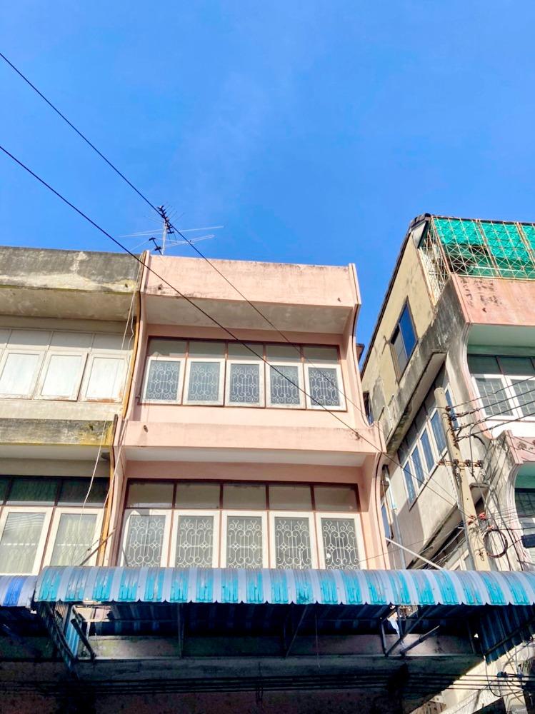 For SaleShophouseLadprao 48, Chokchai 4, Ladprao 71 : 2492-A😊😍 For ให้เช่าและขายอาคารพาณิชย์ 3 ชั้น, 4 ห้องนอน🚄ใกล้ ตลาดโชคชัย 4🏢ลาดพร้าว🔔พื้นที่บ้าน:14.00ตร.วา🔔พื้นที่ใช้สอย:168.00ตร.ม.💲เช่า:16,000฿💲ขาย:5,500,000฿📞O86-454O477✅LineID:@sureresidence