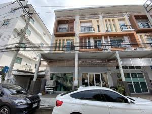 For SaleTownhouseNawamin, Ramindra : Sold townhouse, 2 rooms, 4 floors cheap.