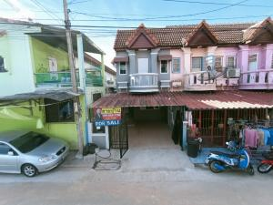 For SaleTownhouseBang kae, Phetkasem : Townhouse for sale, Pongsirichai 4, in Soi Petchkasem 81, renovated, beautiful and new, good condition, cheap price, Nong Khaem, there are seven, there is a lotus