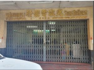 For RentShophousePha Nakorn, Yaowarat : Commercial building for rent in prime location on the imperial road beside the Victory Ward Temple