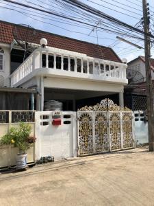 For RentTownhouseBang Sue, Wong Sawang : townhouse for rent Soi Saphan 99 Prachachuen Bang Sue. AOL-F81-2106004114