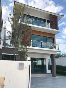 For SaleHouseLadprao101, The Mall Bang Kapi : Luxurious house for Sale Supalai Essence Ladprao 107, corner unit, 4 bedrooms