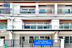 For RentTownhousePattanakan, Srinakarin : For rent townhome 3 floors ready to move in Srinakarin Road, near Paradise Park