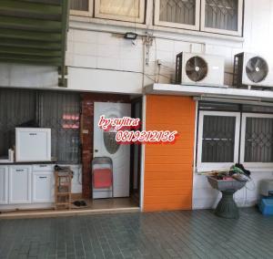 For RentTownhouseKaset Nawamin,Ladplakao : Townhouse for rent, 2 floors, 30 sq.m., near Kasetsart University. Prasert Manukit Rd.