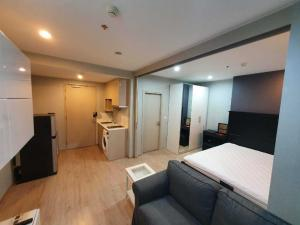 For RentCondoSiam Paragon ,Chulalongkorn,Samyan : Ideo Q chula Samyan For Rent!! 22,000 baht only, room size 34.5 sqm, high floor, beautiful decoration, ready to move in. I'm interested in making an appointment to see it.