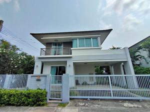 For RentHouseSamrong, Samut Prakan : Luxury single house for rent, resort style, outstanding club house, Atoll Lanta Resort Life Bangna