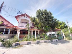 For RentHouseSamrong, Samut Prakan : Cheap rent, single house 75 sq m., Kanlapaphruek Village. Bang Phli - Thepharak