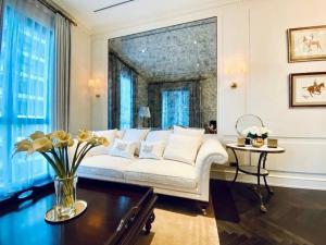 เช่าคอนโดวิทยุ ชิดลม หลังสวน : Rental : 98 Wireless Condo , 3 Bed 2 Bath , Floor 7 🔥🔥Rental : 245,000 THB / Month. 🔥🔥