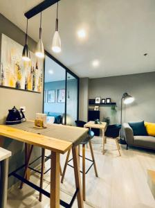 For RentCondoWitthayu,Ploenchit  ,Langsuan : Condo for rent Life One Wireless * Ready to move in, next to Wireless Road * near Central Embassy and BTS Ploenchit