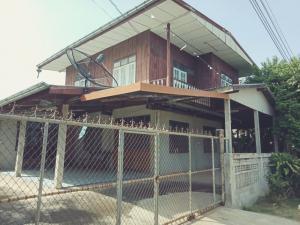 ขายบ้านขอนแก่น : บ้านมือสองครึ่งไม้ครึ่งปูน
