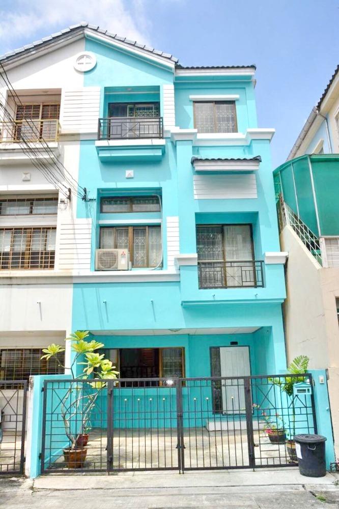 For RentTownhouseRatchadapisek, Huaikwang, Suttisan : 2499-A😊 For RENT 3-storey townhome for rent, 3 bedrooms 🚄 near MRT Cultural Center 🏢 Baan Klang Muang Ratchada-Mengjai 🔔House area:21.00 sq wa🔔 Usable area: 200.00 sq m💲Rent:35,000฿📞O86-454O477✅LineID:@sureresidence