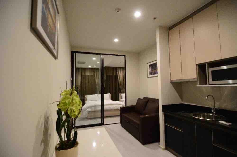 For RentCondoWitthayu,Ploenchit  ,Langsuan : Ready move in! Condo for rent Noble Ploenchit 1 bedroom 1 bathroom 47 sq.m. Floor 17 South Facing
