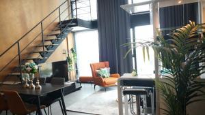 For RentCondoSilom, Saladaeng, Bangrak : 1BR for rent at The Lofts Silom (High Ceiling HyBride Type - L2C)
